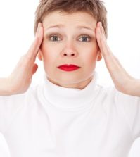 Depresia postpartum: Cum ii identificam & evitam efectele?
